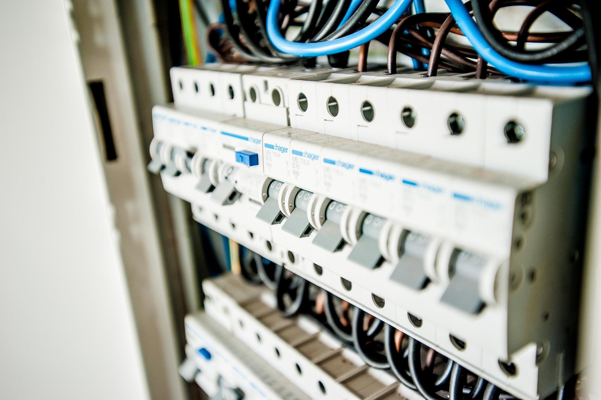 electric-1080585_1920
